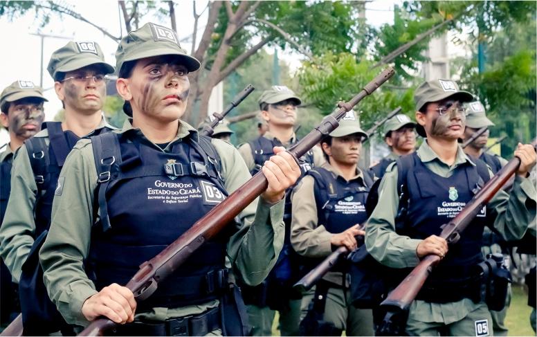 Agentes de segurança participam do primeiro Curso Tático Policial Feminino do Ceará